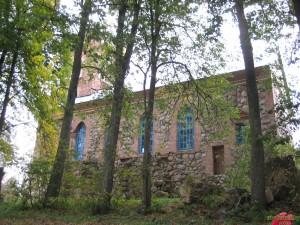 Церковь святой Варвары вид со стороны парка