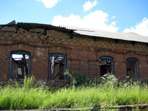 Развалины бывшей синагоги в д. Крево