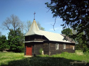 Костел Святой Троицы в деревне Староельня