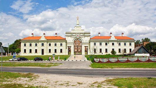 Дворец Сапегов. Восстановленный флигель