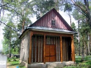 Католическое кладбище и часовня за костелом
